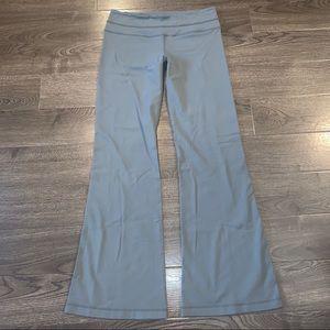 Lululemon Size 8 reversible Groove Pants